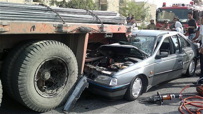 تصادف در جاده سمیرم ۳ نفر را به کام مرگ کشاند