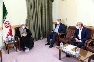 امام جمعه شیراز: نمیدانیم در مساله عفاف و حجاب مسئول اصلی و بالادستی کیست