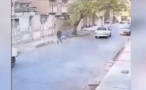 لحظه سرقت موبایل در خیابان