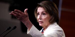 پلوسی: جمهوریخواهان حزبشان را از افراطیها پس بگیرند