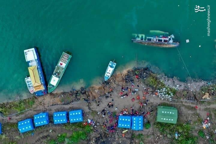 عکس/ واژگونی مرگبار کشتی مسافربری در چین با 10 نفر کشته