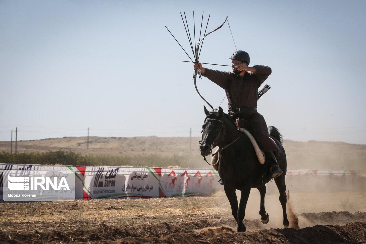 رقابت های بین المللی کمانگیری بر روی اسب