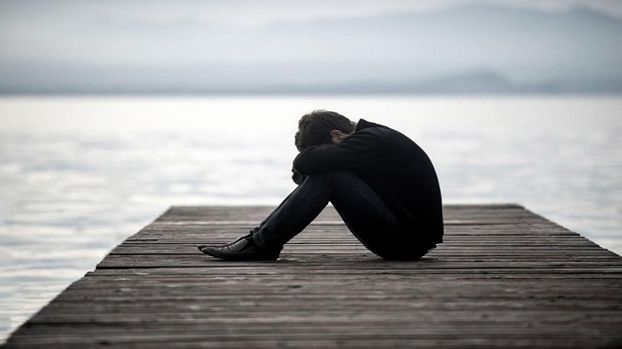 چرا بدون دلیل گریه می کنیم؟