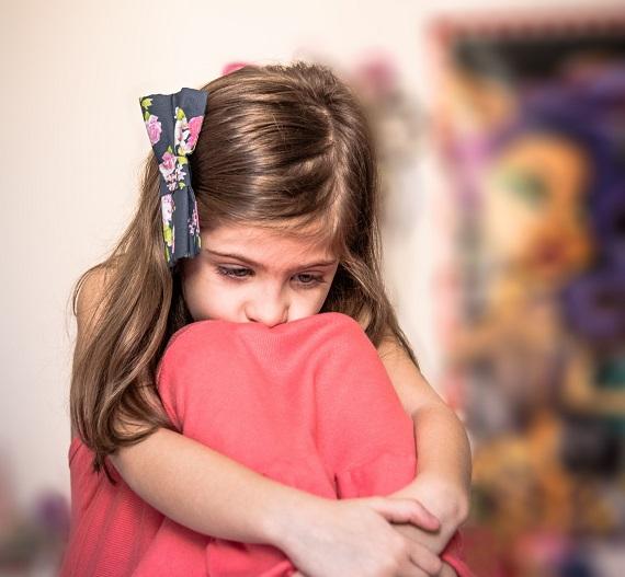 خواهرم با من، پدرومادرمان و حتي بچهاش بد اخلاق است