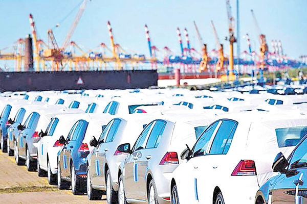 طرح واردات خودروی خارجی به معنی آزادسازی بی قید و شرط واردات نیست