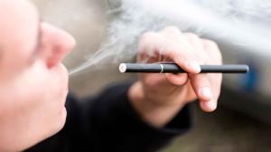 مصرف سیگار الکترونیکی باعث سکته قلبی میشود
