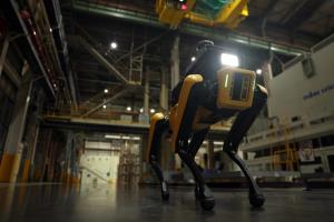 هیوندای با ربات روی ایمنی کارخانهها نظارت میکند