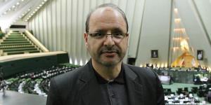 نماینده اسبق مجلس: خدا به لاریجانی رحم کرد که تأییدصلاحیت نشد