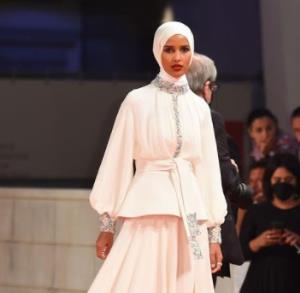 استایل تنها مدل مسلمان در ونیز
