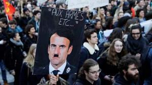 توهین به مقدسات آزاد؛ تشبیه ماکرون به هیتلر ممنوع!