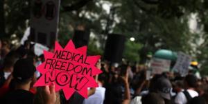 تظاهرات مخالفان واکسن کرونا در نیویورک
