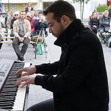تکنوازی پیانو را با این موسیقی بی کلام بشنوید