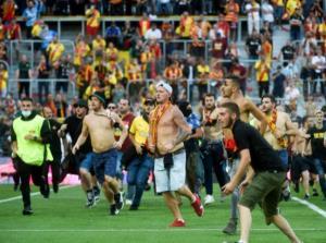 درگیری شدید در لیگ فرانسه؛ فوتبال یا میدان جنگ؟