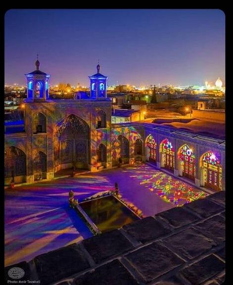 مسجد رنگارنگ نصیرالملک