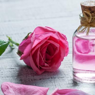 روشهای طبی و طبیعی برای داشتن لبهای صورتی و زیبا