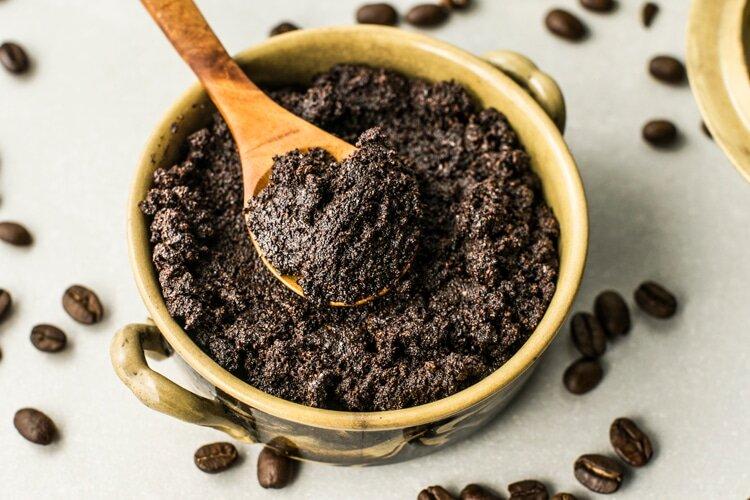 تفاله های قهوه را حیف و میل نکنیم!