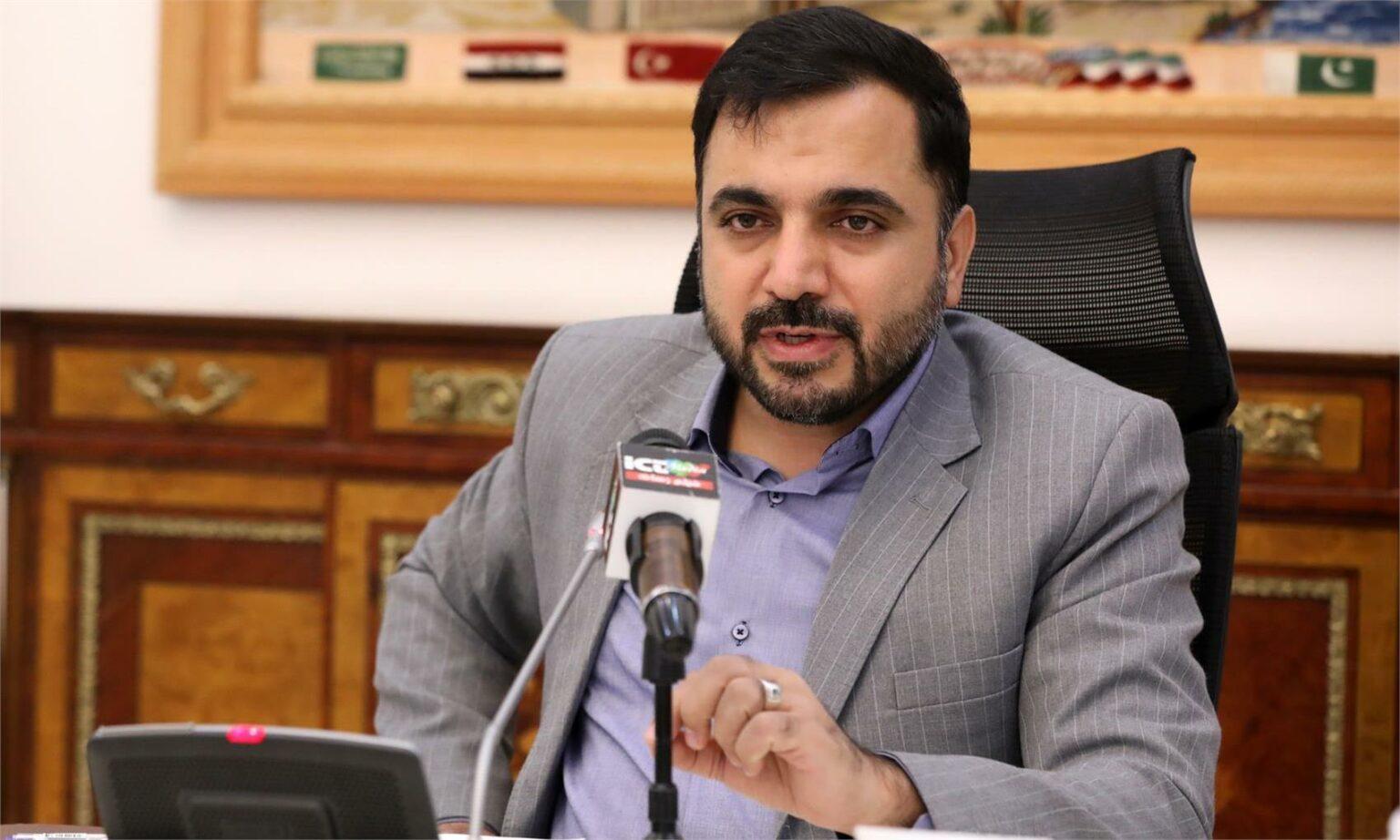 وزير ارتباطات: گوشي ايراني توان رقابت با نمونه خارجي را دارد