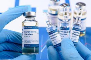 دبیر کمیته علمی کرونا: واکسن مشکل حادی در نوجوانان ایجاد نمیکند