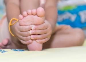 کفش بزرگ تر از سایز پا را چطور اندازه کنیم؟