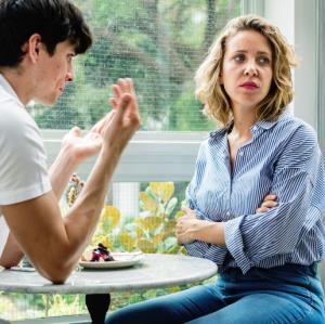 تصمیمهای اشتباه و خانمانسوز شوهرم تمامی ندارد
