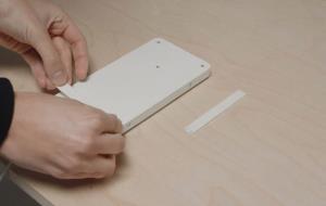این پد هوشمند میتواند میز شما را به یک شارژر بیسیم تبدیل کند