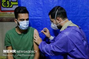 افراد بالای ۱۸ سال در فارس برای دریافت واکسن کرونا تعلل نکنند
