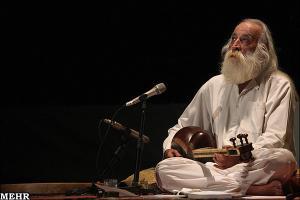 خوانندگی محمدرضا لطفی در کنسرت برکلی/ باز هوای وطنم آرزوست