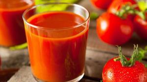 4 خاصیت شگفتانگیز آب گوجهفرنگی