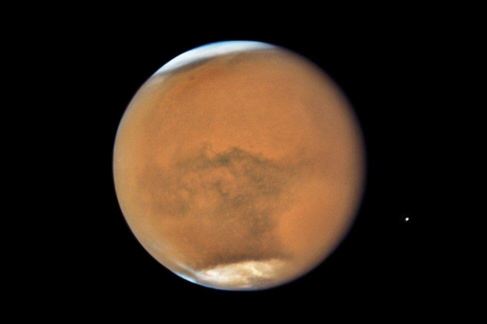 کوچکی مریخ توانایی این سیاره را برای نگهداری از آب محدود می کند