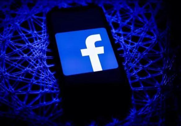 فیسبوک درباره تبعیض به نفع سلبریتیها بازخواست میشود