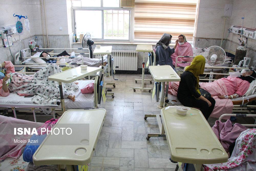 عکس/ وضعیت کرونا در بیمارستانهای رشت پس از پیک پنجم