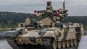 پرش تانکهای روسیه در مانور نظامی