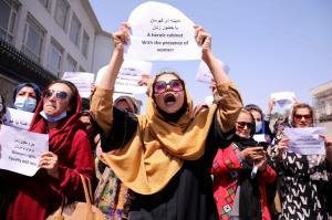 طالبان، زنان را از قدرت کنار گذاشت