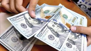 معاملهگران ارز در جستوجوی اخبار