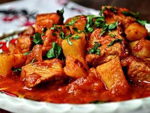 غذای اصلی/ روش طبخ «تاسکباب» غذای محبوب مامان ها