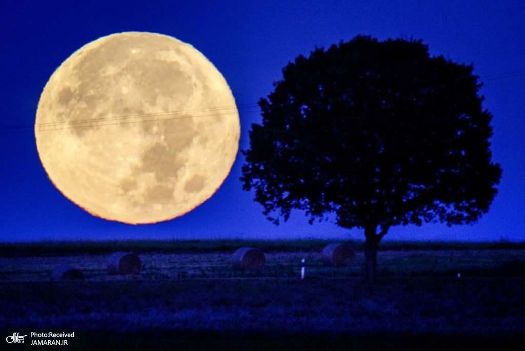 تصویری زیبا از ماه کامل