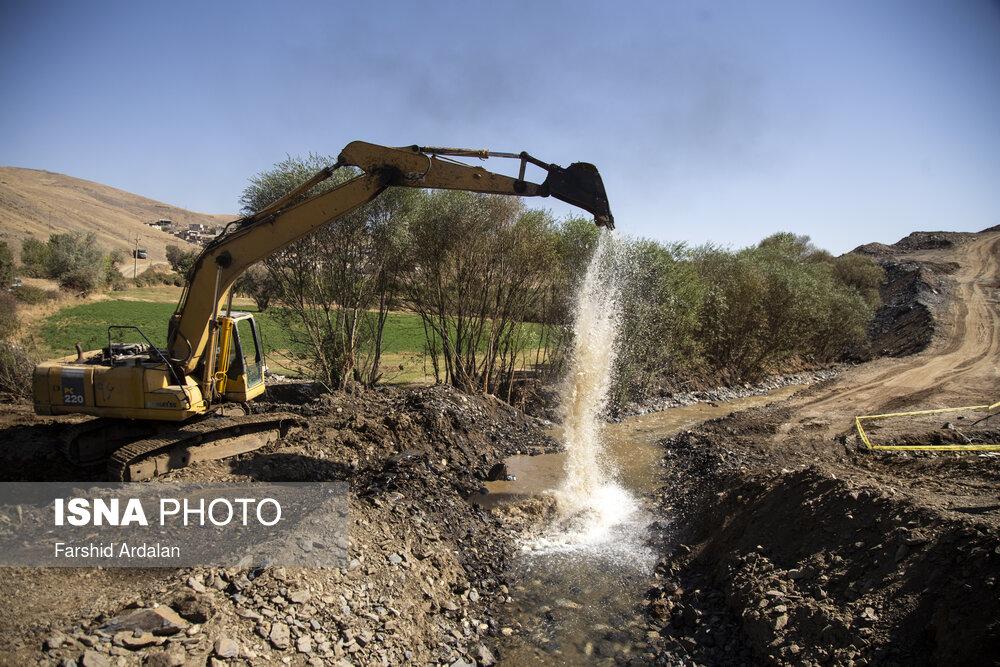 انتقال خط لوله آب از سد آزاد به تصفیه خانه سنندج