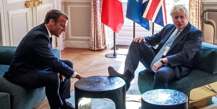 جانسون خشم فرانسه را به سخره گرفت