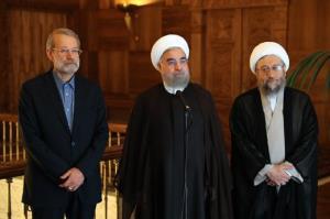 پیشبینی آینده یک قاب عکس سیاسی؛ سکوت سیاسی روحانی میشکند؟