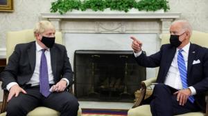سفر ریلی نخست وزیر انگلیس در آمریکا؛ جانسون خطاب به بایدن: تو خدای زنده هستی!