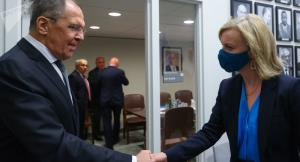 رایزنی وزرای خارجه انگلیس و روسیه درباره ایران و مذاکرات وین