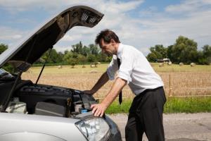 اگر خودرویمان باتری خالی کرد و نتوانستیم آنرا هل دهیم چکار کنیم؟