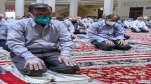 صفوف نماز جمعه در هندیجان تشکیل میشوند