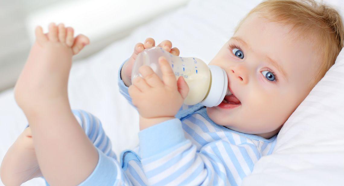 نکاتی مهم برای جلوگیری از خفگی نوزاد با شیر