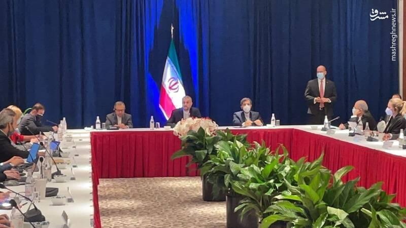 عکس/ جلسه امیر عبداللهیان با خبرنگاران رسانههای آمریکایی