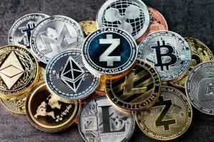 وضعیت ترکیبی بازار رمزارزها؛ بیت کوین در کانال ۴۴هزار دلاری