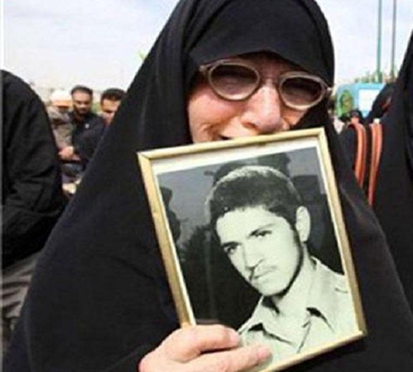روایت شیرین از مادر شهید معروفی که ۳۱ سال انتظار پسرش کشید