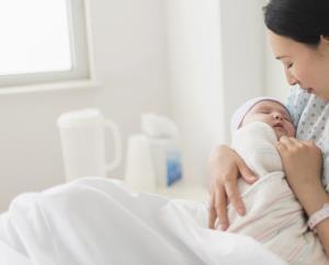 مادران شیرده مصرف لبنیات را محدود کنند!