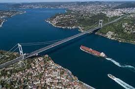 برخورد کشتی های روسی و ترکیه ای در تنگه بسفر