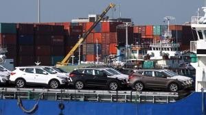 رییس شورای رقابت: واردات خودرو با اقتصاد مقاومتی در تضاد نیست